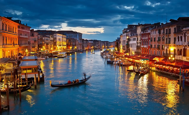 venice_canal_sunset_italy